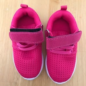 Brand new toddler tennis shoes